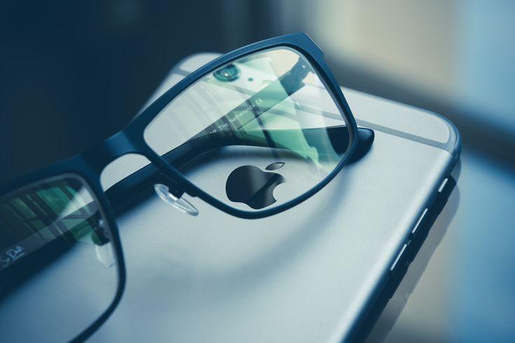 Tolle Brillen müssen nicht immer teuer sein. In unserer hauseigenen Abele Optik Kollektion finden Sie eine große Auswahl an Brillen und Sonnenbrillen zu günstigen Preisen.