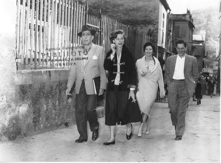 Gli attori Humphrey Bogart, Lauren Bacall e Ava Gardner a Portofino. (Foto: 1954, Publifoto)