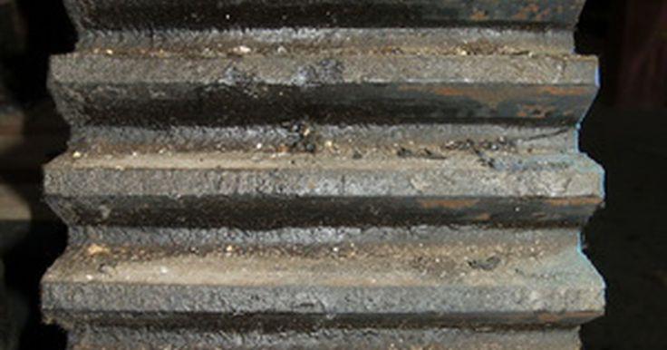 Como calcular os ânodos de zinco necessários para a proteção de um barco de metal. O seu barco pode ser seu segundo maior investimento ou pode ser uma couraça de alumínio simples utilizada para pescar aos finais de semana. De qualquer maneira, deve-se protegê-lo contra corrosão galvânica. Isso ocorre quando se coloca dois metais diferentes na água; a água age como um condutor e enquanto o metal mais forte permanece sem danos ...