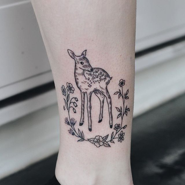 Fawn + flowers for Lauren!