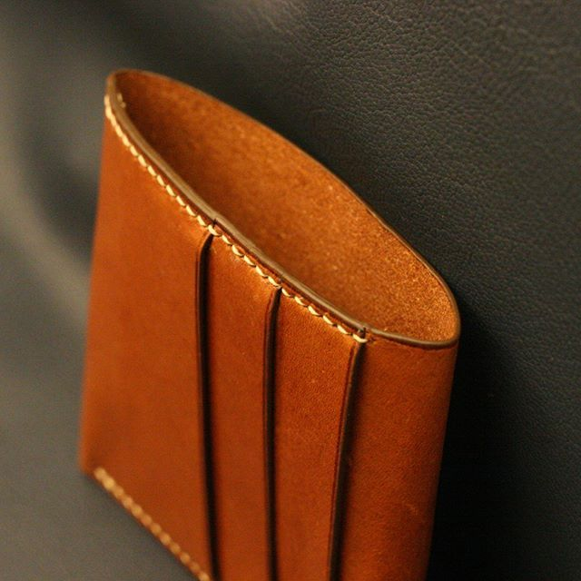 Finished! Front pocket wallet with three card slots and large cash pocket. Will fit USD, GBD, EUR, and other large bills (such as Romanian RON etc.). #leatherwallet #leathercraft #handcrafted #handstitched #saddlestitched #leathergoods #vegtanned