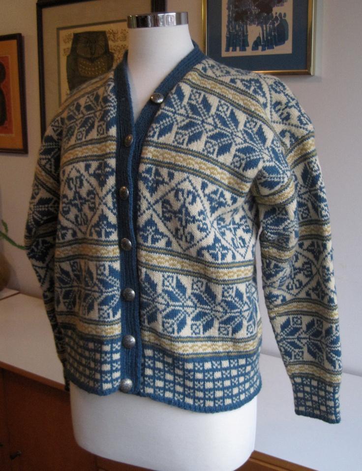 Vintage 50s Wool Cardigan Sweater Norway Ski Snowflake Design. Label: Den norske husflidsforening, Oslo, (Husfliden), Norge