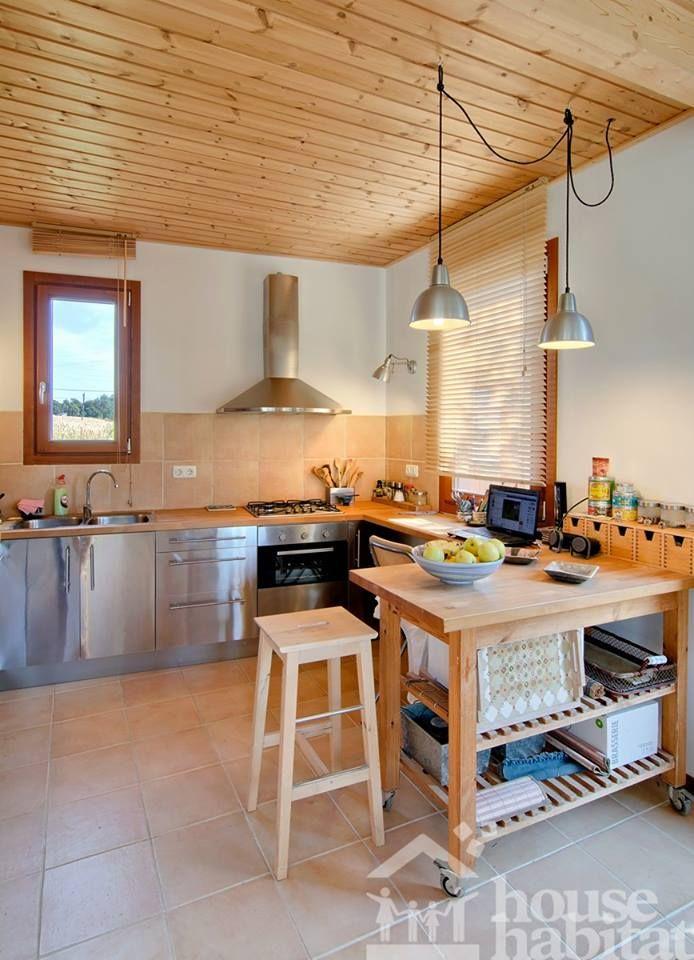 cocina casa de madera en Rupia (Girona) House Habitat Kuusamo Log Houses