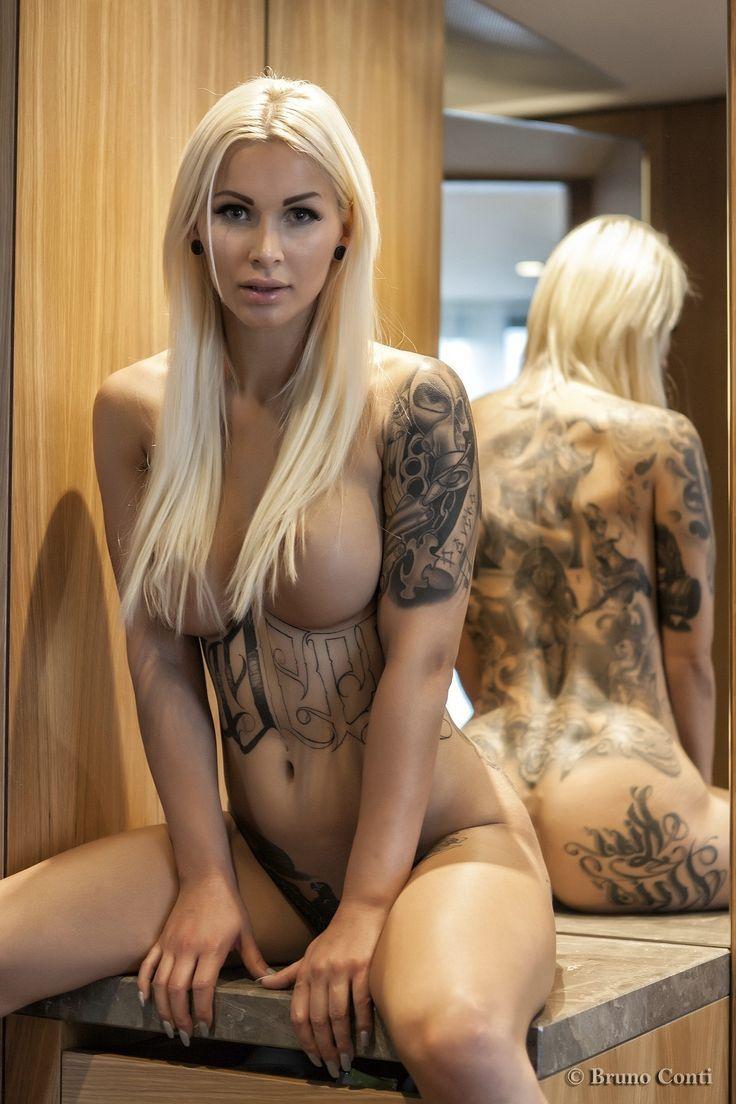 Naughty american girls nude