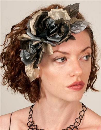 #25 HT 2527362 - LOUISE GREEN CHARCOAL ROSE FASCINATOR - $159.95