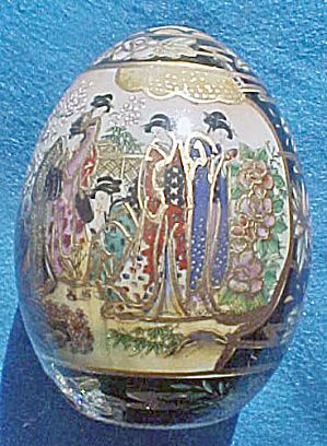 Satsuma Porcelain Hand Painted Egg This Delicately Designed Egg Is Made Of High Quality