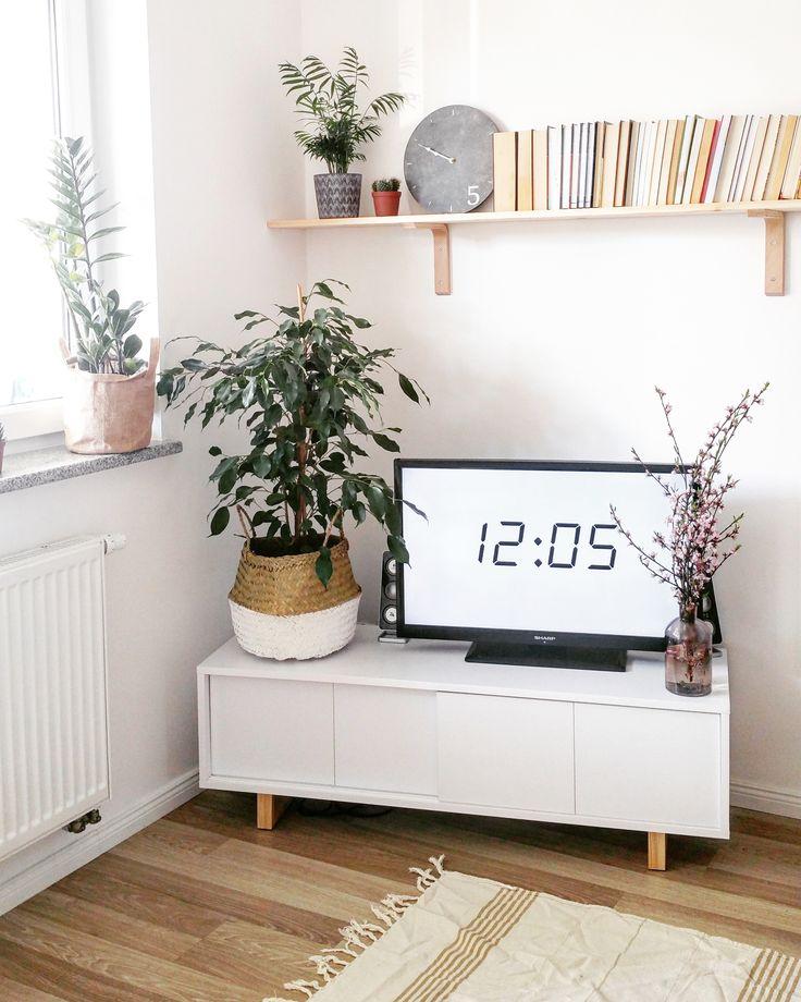 #rtv #cabinet #scandi #scandinavian #design #scandinaviandesign #minimalism #minimalizm #skandynawski #skandynawskistyl #madeinpoland  #pine #drewno #sosna #polskiprodukt  foto: instagram.com/mama_z_powolania