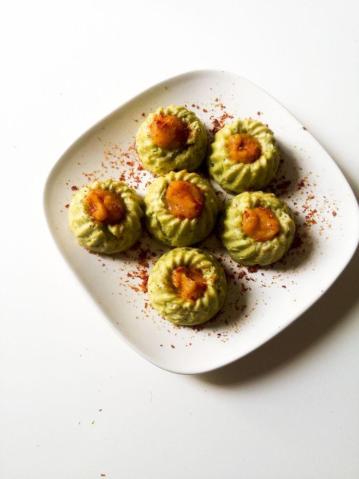 flan di broccoli Un'altra ricettina leggera e salutare, facilissima e fa sempre la sua porca figura perché c'è poco da fare...i #flan sono sempre carinissimi! http://www.kitchengirl.it/il-frigo-racconta/flan-di-broccoli-con-cuore-di-zucca/ #broccoli #zucca #ricotta #kitchengirl #tacchiepentole #ricetta #cucina #amicincucina #cucinaitaliana #italianfoodbloggers