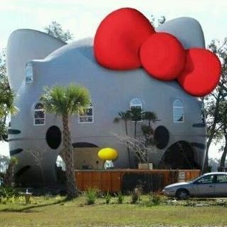 Hello Kitty house (o^^o)
