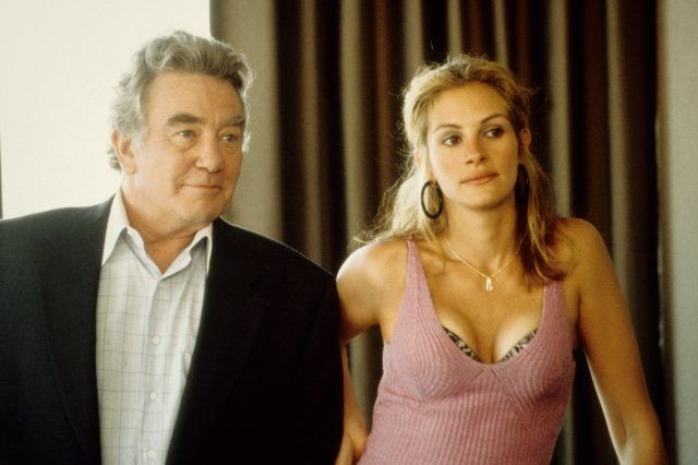 And this performance was worth an Oscar! In these scene with Albert Finney