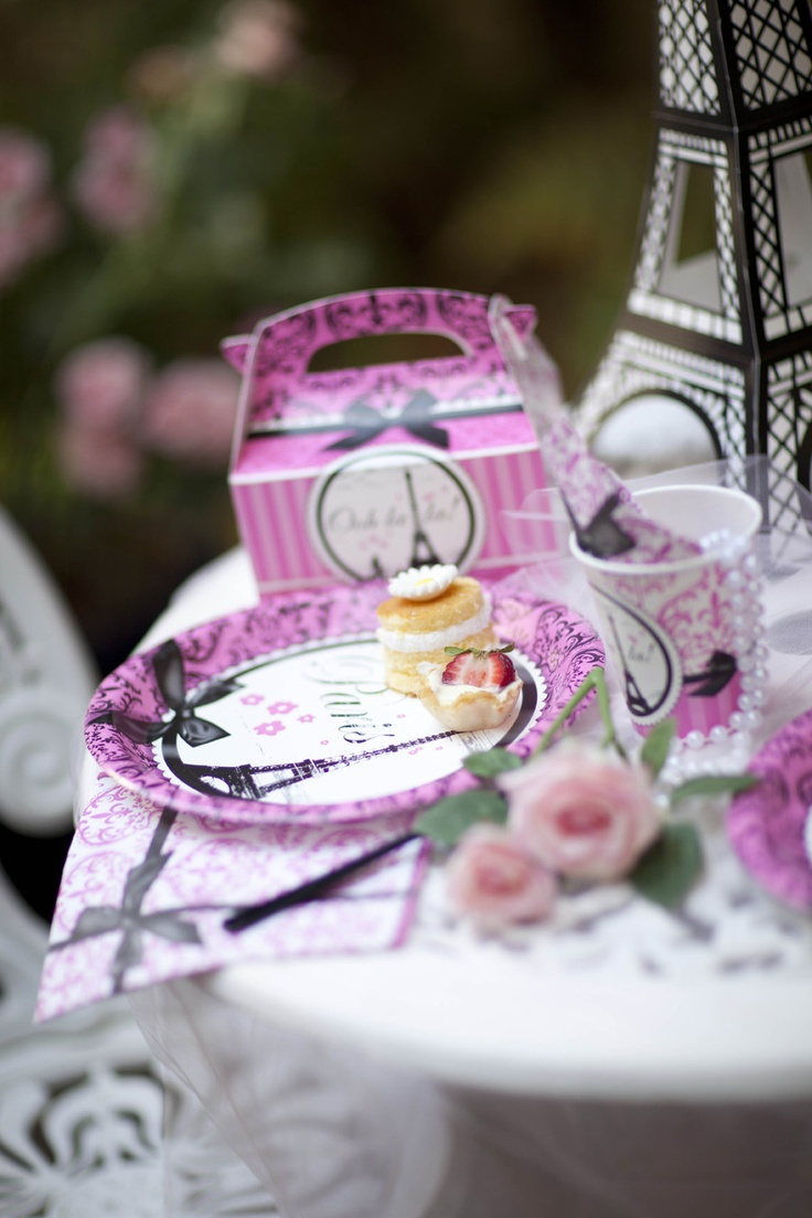 Paris Damask Party Planning Guide! #Party #BirthdayExpress