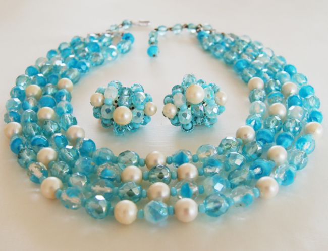 Turquoise Crystal Art Bead Necklace Earring Set- Very Dainty and Beautiful!