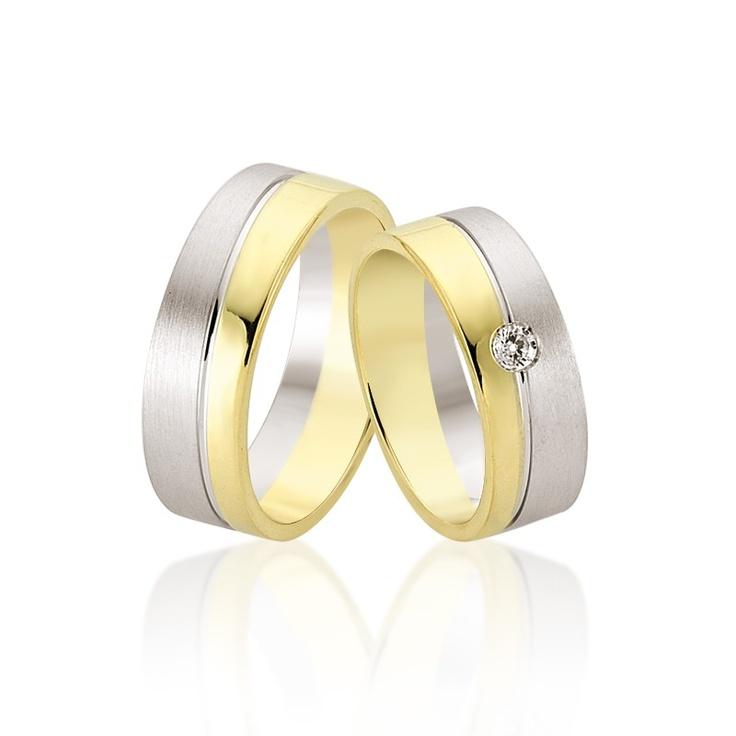 Verighetele Regulus sunt pentru cei ce doresc o verigheta simpla, cu cristal sau diamant de efect. 2500 lei perechea din aur de 14K si cristal.   Aflati aici http://www.bijuteriilarosa.ro/verighete-regulus care este pretul pentru verighetele Regulus cu diamant.