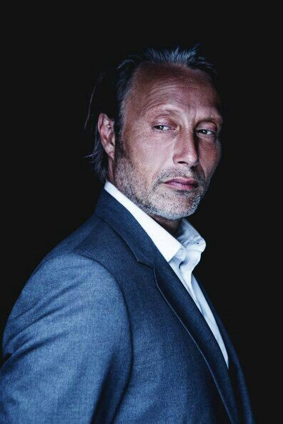 17 best images about mads mikkelsen on pinterest casino for Boconcept canada