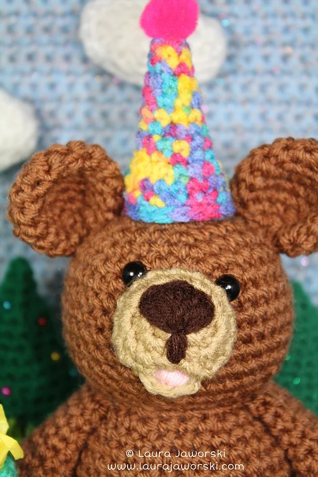 Birthday Bear by Laura Jaworski ♥ | www.laurajaworski.com