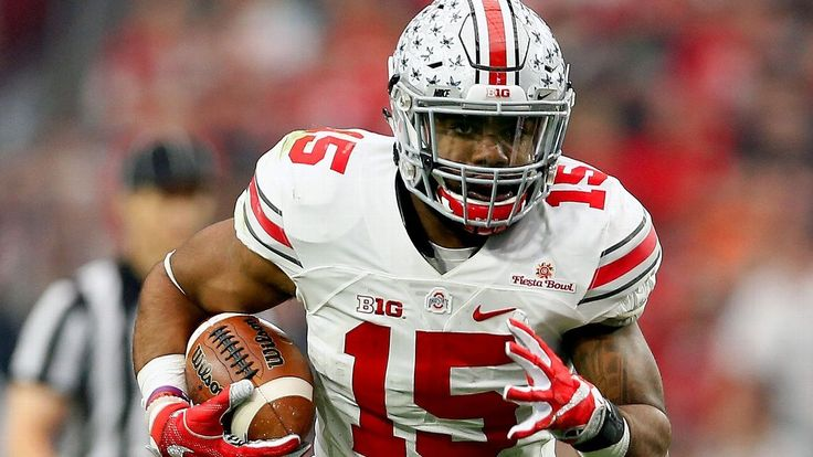 Drafting Ezekiel Elliott, a potentially dominant every-down running back, could help take heat off Tony Romo as the QB nears the end of his career.