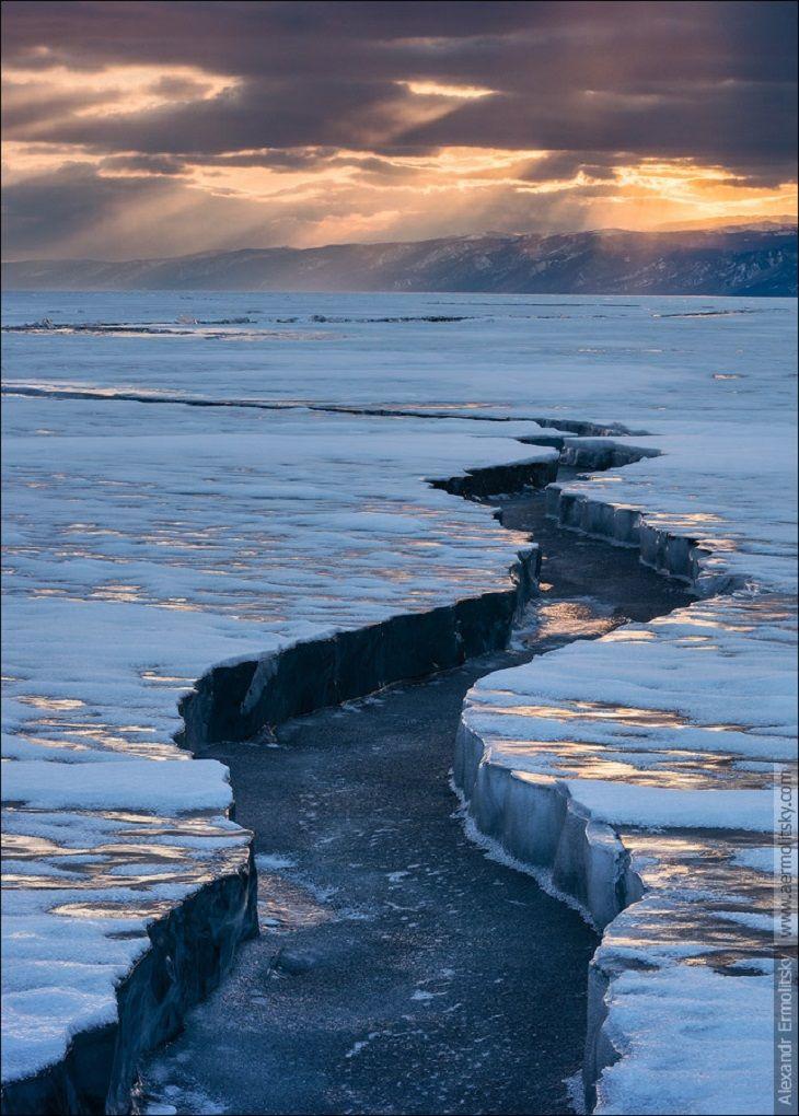TOP 10 Russian Landscape Photographers +++ earth quake/fault/fissure