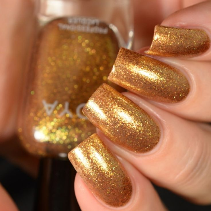 золотой лак на ногтях картинки тоже