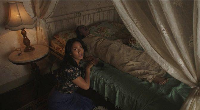 Słudzy diabła (2017) Po śmierci chorej matki pewną rodzinę zaczyna nawiedzać zjawa, łudząco przypominająca zmarłą kobietę.