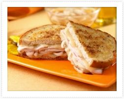 Northwoods Maple-Mustard Turkey Sandwich brings a uniquely Canadian twist to lunchtime! #ButterballCanada