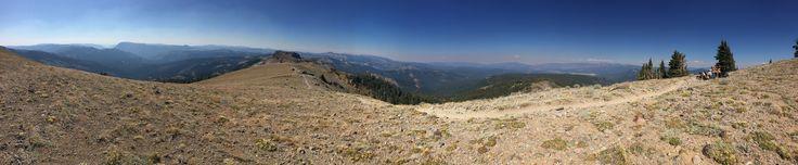 Pacific Crest Trail - Tinker Knob California[OC][13632 x 2819]