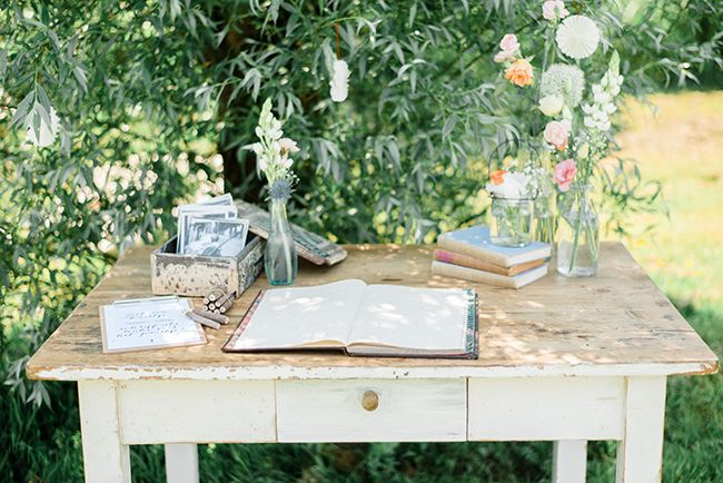 kinfolk greenhouse wedding - photo by Rox&San | styling&planning by Inspire Styling