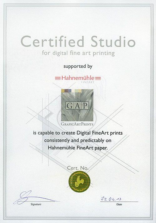 """GraficArtPrints, #Impresion #fineart #giclee #estudio #certificado #hahnemuehle Después de un cierto tiempo en el proceso, nos complace anunciar que la firma Hahnemühle ha expedido el correspondiente documento que acredita a GraficArtPrints como """"Certified Studio"""".  El objetivo de este certificado es poner en conocimiento de los artistas internacionales, dónde pueden realizarles verdaderas impresiones fineart a nivel global."""