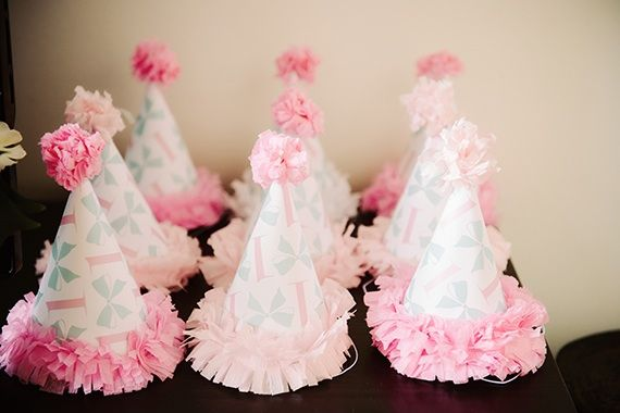 via http://www.100layercakelet.com/2013/06/03/blakes-girly-bow-themed-first-birthday-party-by-sweet-saucy-shop/