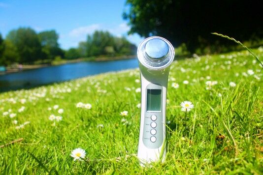 Summer edition neo skin rejuvenator is out and about in Derby enjoying the weather! Visit our website to find out more about this gorgeous beauty device: www.neoelegance.co.uk   #neoelegance #beautydevice