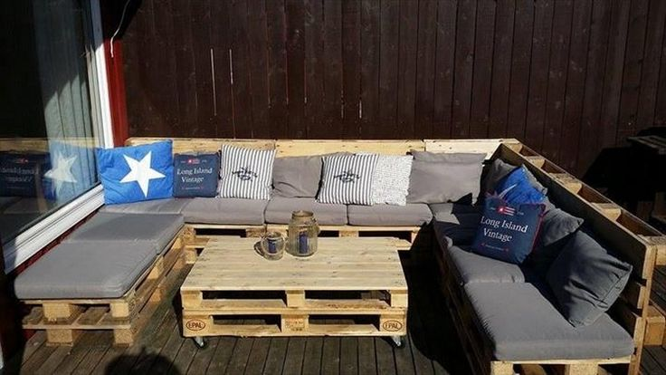 Pallet Patio U Shaped Sofa with Table
