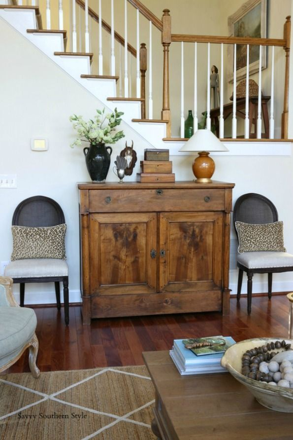 Best 25 country entryway ideas on pinterest french for French country foyer