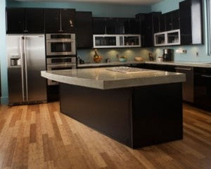Kitchen: Kitchens Color Schemes, Dark Cabinets, Wall Color, Black Cabinets, Kitchens Ideas, Black Kitchens, Woods Floors, Kitchens Cabinets, Modern Kitchens Design