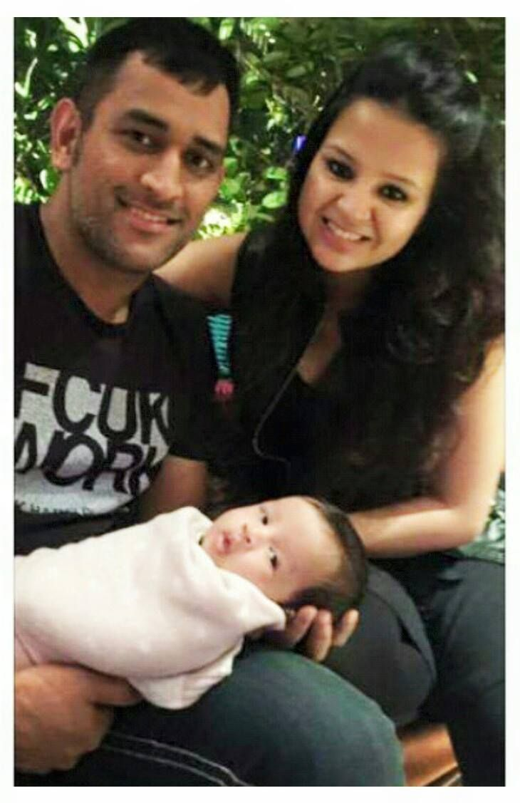 Ms dhoni net worth and earning with cars images a sports news - Ms Dhoni With His Beautiful Wife Sakshi And Adorable Daughter Ziva Msd Msdhoni