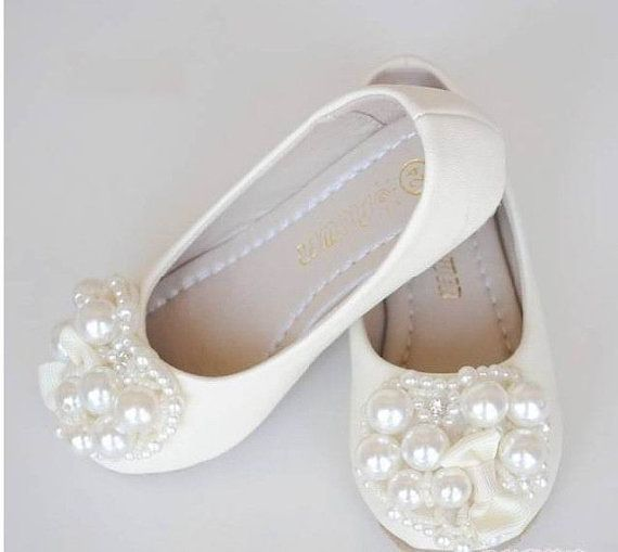 Ivory Flower Girl Shoes/ Toddler Girl Shoes/Pearl por Flowerlodge