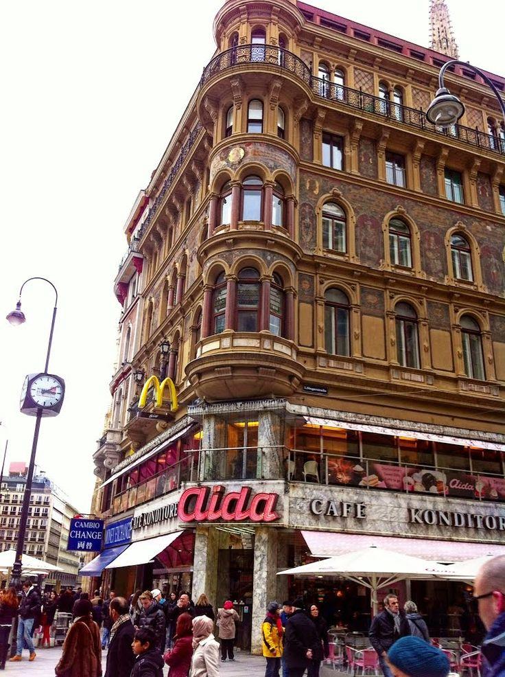 Aida Café-Konditorei Wien, Wein, Österreich/Vienna, Austria. 15:10  1.April 2013