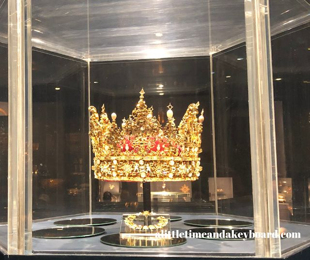 Rosenborg Castle and King's Garden Dazzle Visitors Royally in Copenhagen