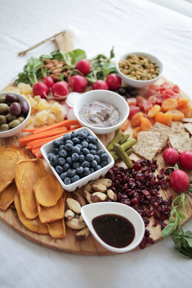 How to Make a Healthy Holiday Crudité Platter | Nutrition Stripped