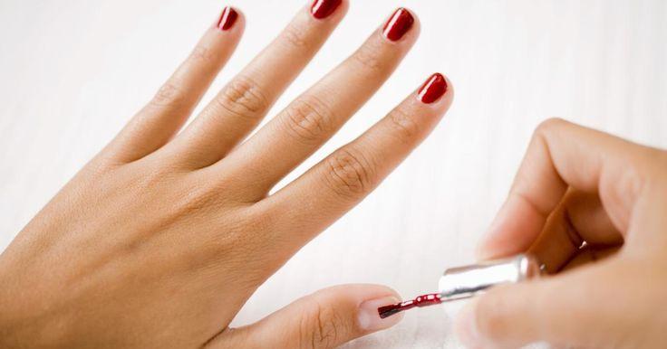 Cómo lograr que el esmalte de uñas dure más tiempo y no se descascare sin usar esmalte transparente