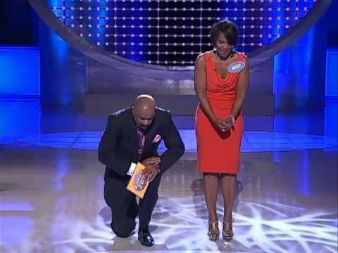 GAME SHOW FAIL!! WOMAN SAYS A LITTLE TOO MUCH WHEN ANSWERING A QUESTION ON FAMILY FEUD!!