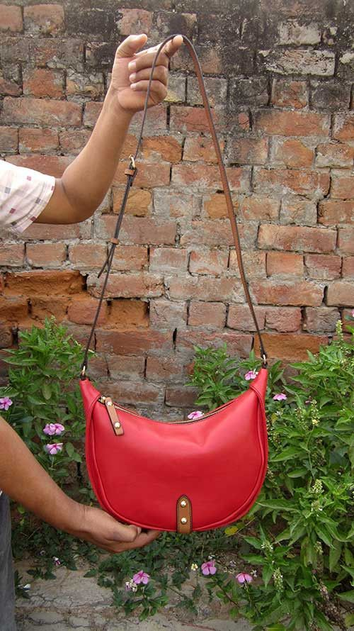 Rose Little Caro, Chiaroscuro, India, Pure Leather, Handbag, Bag, Workshop Made, Leather, Bags, Handmade, Artisanal, Leather Work, Leather Workshop, Fashion, Women's Fashion, Women's Accessories, Accessories, Handcrafted, Made In India, Chiaroscuro Bags - 1