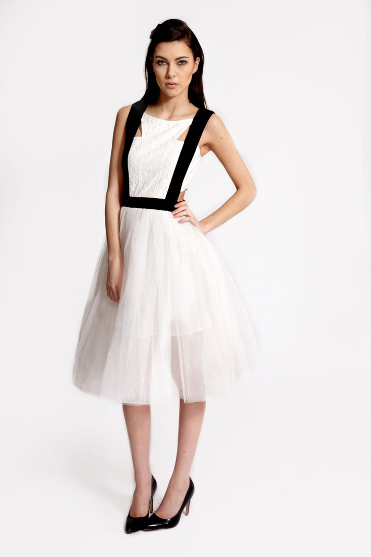 Boutique Minnie Contrast Band Lace Prom Dress