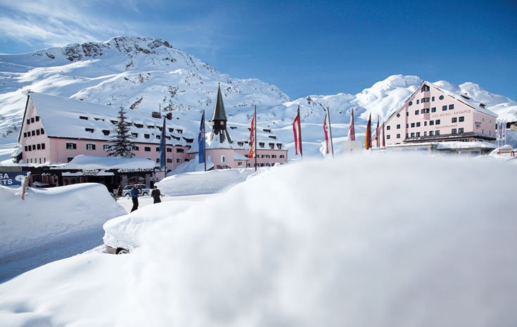 Das Arlberg Hospiz Hotel in St. Christoph ist ein 5-Sterne Luxushotel in Tirol.  http://www.arlberghospiz.at/hotel-arlberg.html