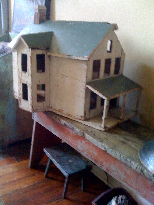 19Th C Early Dollhouse in original Paint. Found  in South Carolina.. 1800primitives.com