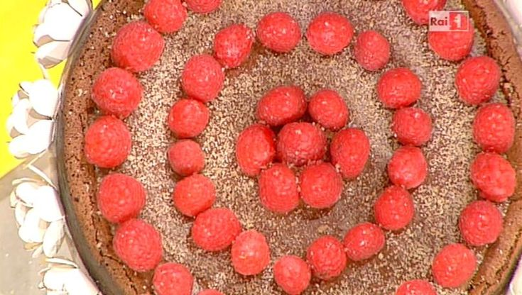 La ricetta della torta morbido fondente ai lamponi di Ambra Romani del 26 novembre 2013 - La prova del cuoco