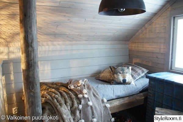 """""""Ilona"""":n makuuhuoneen sisustus sopisi mainiosti niin mökille kuin kaupunkiin! Torkkupeitto pitää lämpimänä. #styleroom #inspiroivakoti #mokki #torkkupeitto #tyyny"""