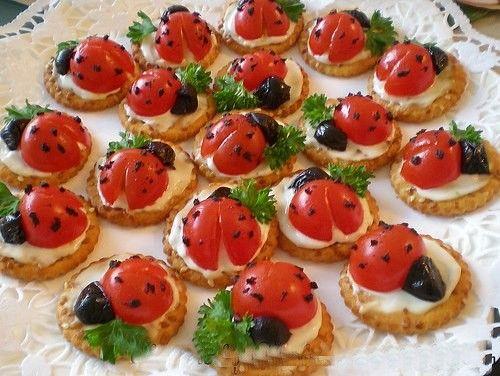 Salata süslemelerinde, kahvaltılarda, kanepeleriniz için hazırlayabileceğiniz uğur böcekleri