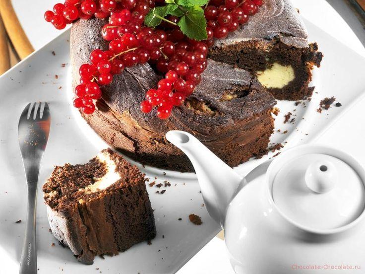 Готовый шоколадный пирог с маскарпоне