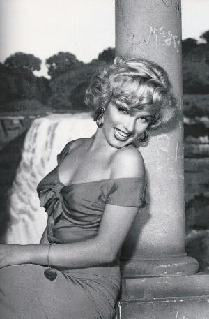 Marilyn Monroe by pat-75