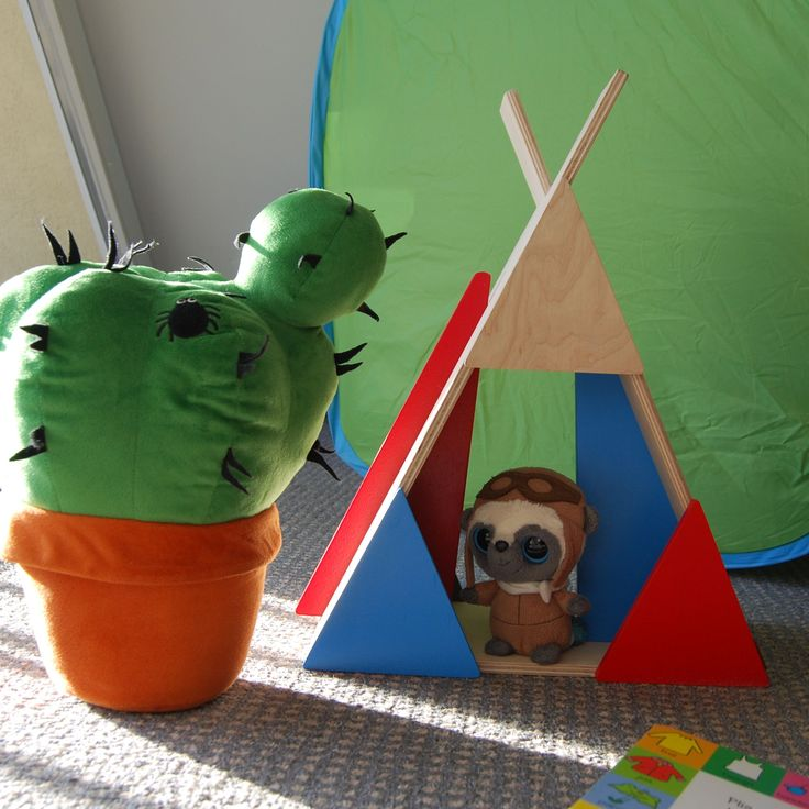 Teepee is a hand-made shelf made of natural materials - birch plywood and water-based paints. It's a pice of furniture and a toy in one. It has two moving parts which stimulate imagination and make Teepee so unique. You can hand it on a wall  or just put Your Teepee shelf on the floor as a pice of furniture or a great toy.