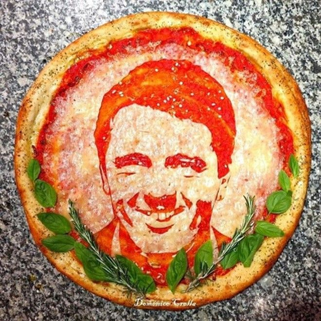 """Nella Grande Mela fare la pizza è una arte, letteralmente. Già, perché il pizzaiolo  Domenico Crolla  di origini italiane - come si capisce bene anche dal nome - e trapiantato a New York, non si è limitato a """"esportare"""" la più classica delle tradizioni tr"""